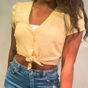 adorable yellow sheer top from F21!✨